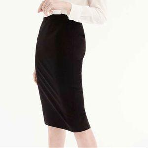 Halogen medium stretchy black pencil skirt